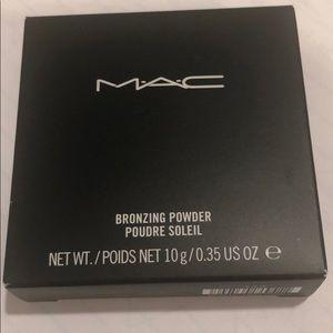 MAC Bronzing Powder, NWOT